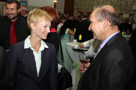 Jozef Sedlák s poľnohospodárskou manažérkou roka 2011 Zuzanou Benešovou.